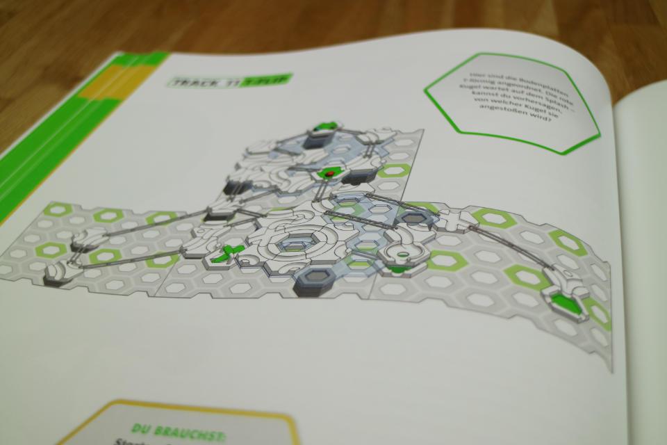 Blick in das GraviTrax Buch